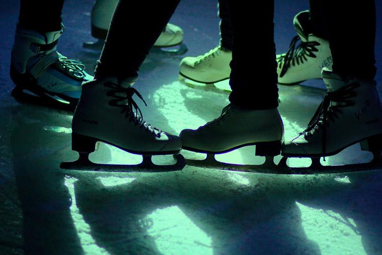 Schlittschuh Eisbahn Eislaufen